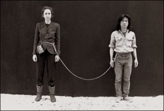 Linda Montano & Tehching Hsieh ART/LIFE One Year Performance 1983-1984 (One year spent tied together.)